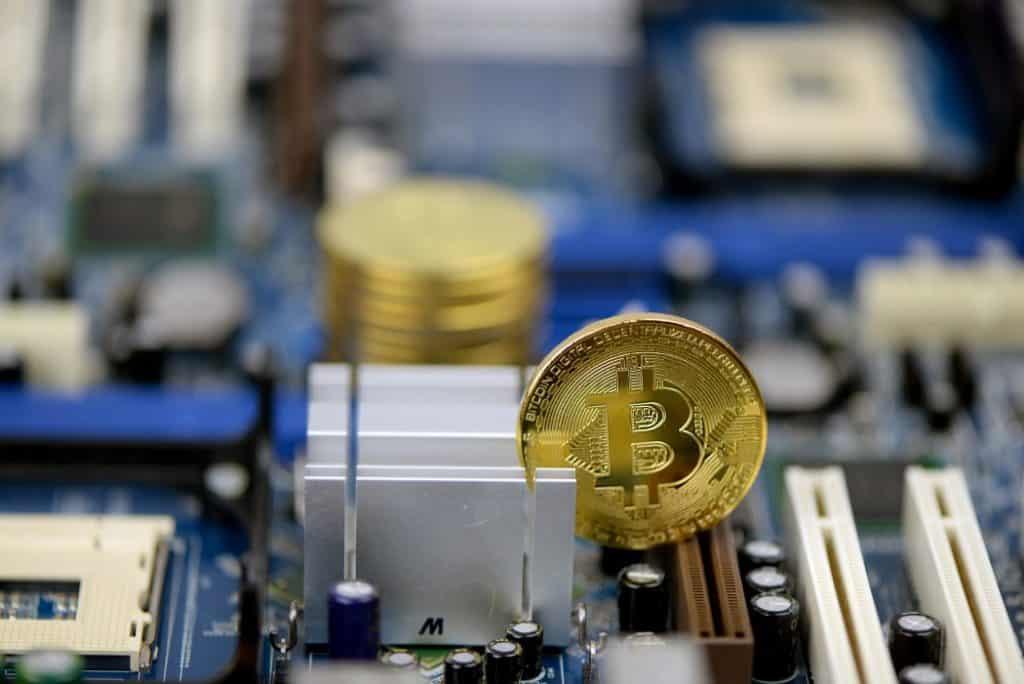 safemoon altcoin bitcoin